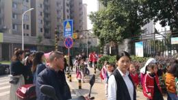 人民东路双铁口单层临街校园铺 0公摊