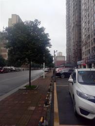 芙蓉区高档小区临街商铺低价急转让(空转)