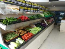 高档小区门口70平米生鲜超市优价转让