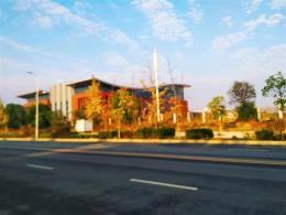 江夏区两个学校对面商业街110平米门面