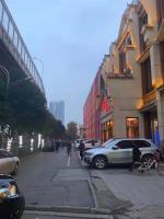 汉阳区鹦鹉大道1000平米临街旺铺出租