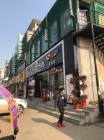 江夏区美术学院公交车站旁30平小吃店转让