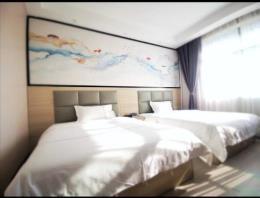 长沙县泉塘十字路口35间客房带门头电梯酒店转让