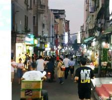 洪山区中南财大西苑小吃街18平米临街小吃店转让
