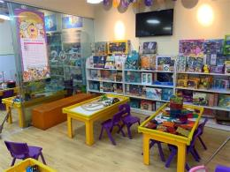 汉阳区铁桥广场超宽门头63平益智玩具体验店转让